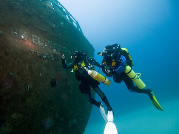 Divers in water during Rebreather course on AD Diving inpiration rebreather Phuket